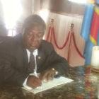 UDPS: Le 13/02/2017, Signature du registre des condoléances par le Président National Protais Lumbu Maloba